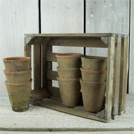 Antiqued Crate With 9 Aged Redstone Pots